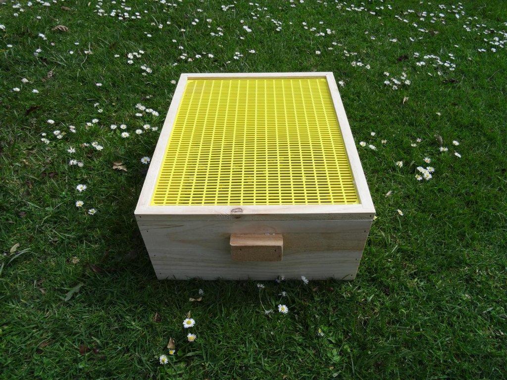 Beekeeper Cottage Queen Excluder